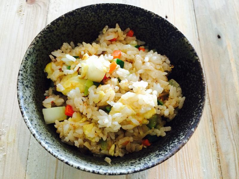 彩虹食蔬蛋炒飯(蛋炒飯的餐桌故事)