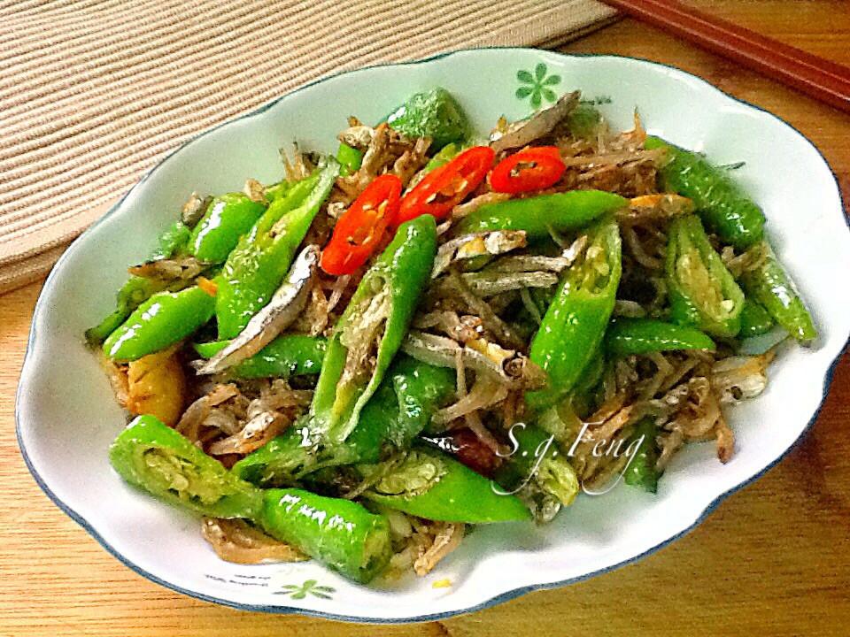 糯米椒炒小魚乾