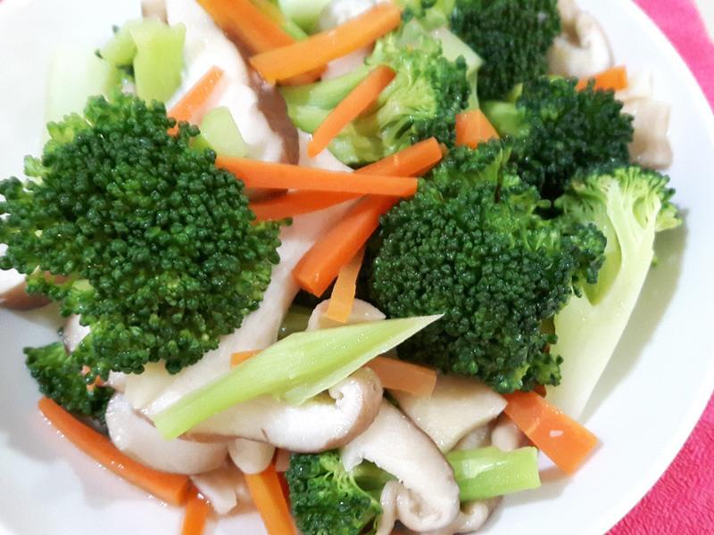 鮮香菇炒花椰菜