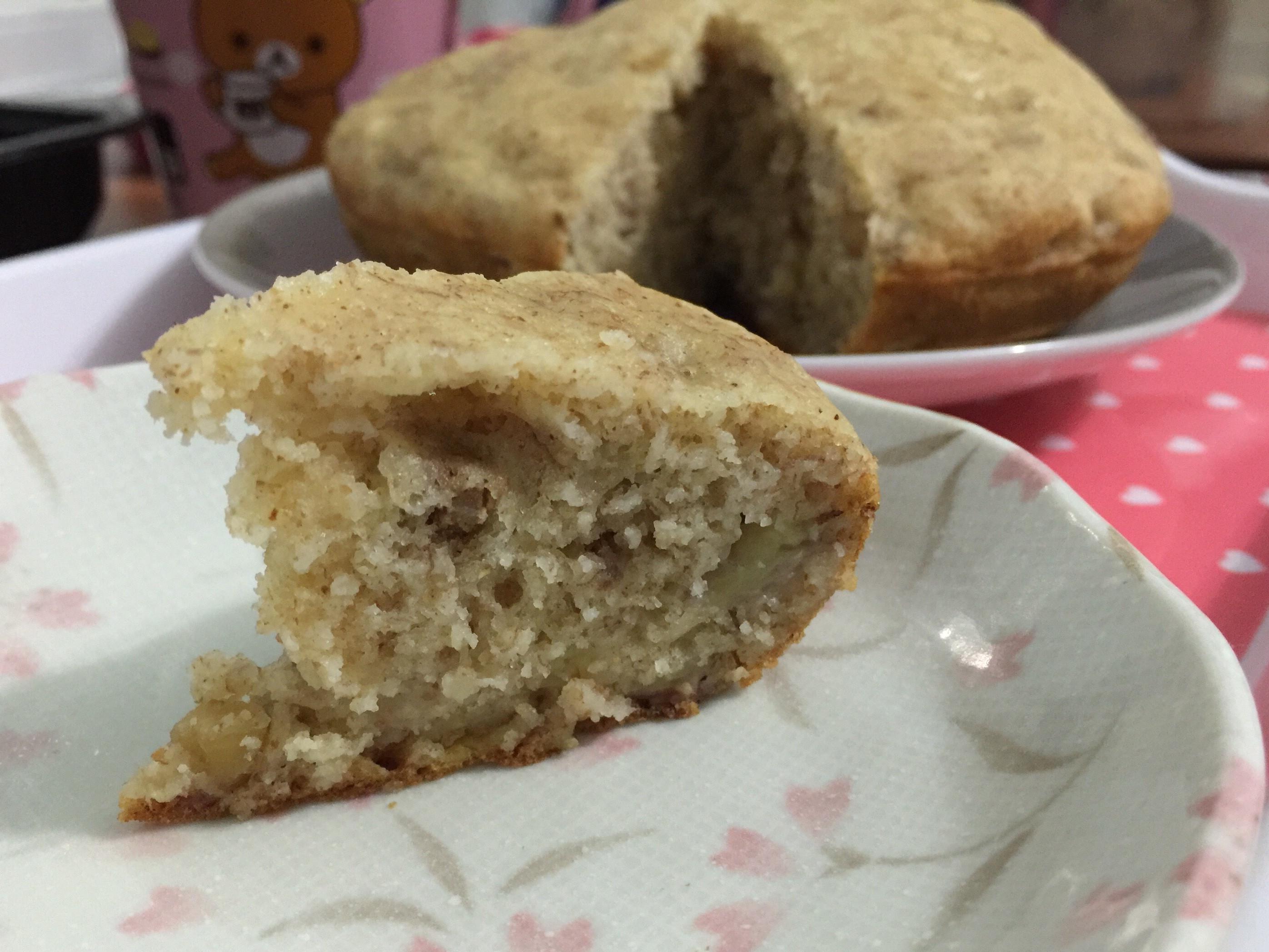 用鬆餅粉作香蕉核桃肉桂蛋糕(電子鍋版)