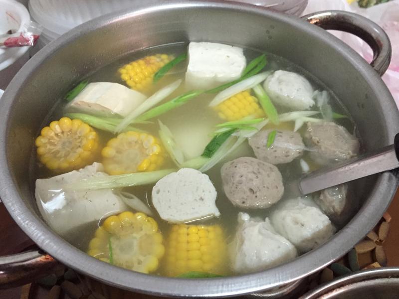 貢丸玉米豆腐排骨湯