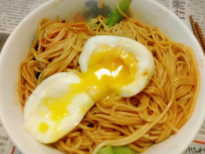 三分鐘上桌之韓式溫泉蛋拌麵