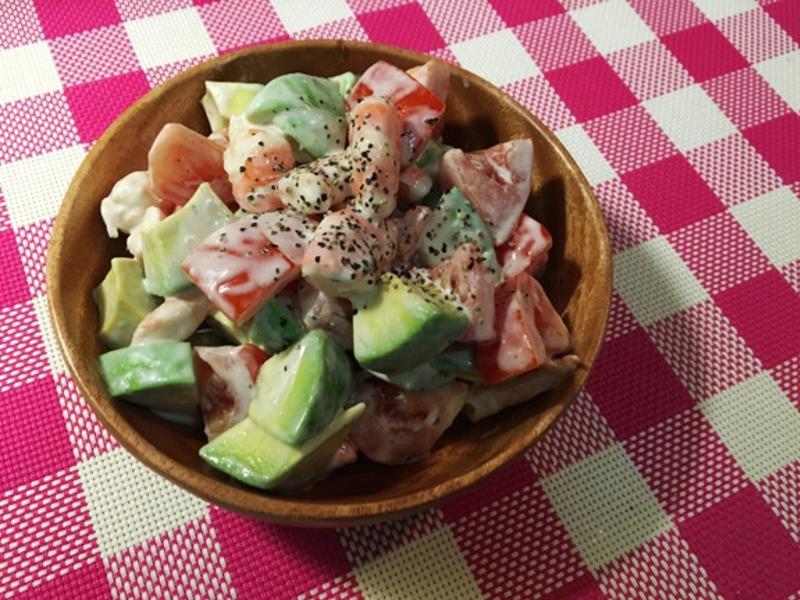 酪梨鮮蝦沙拉