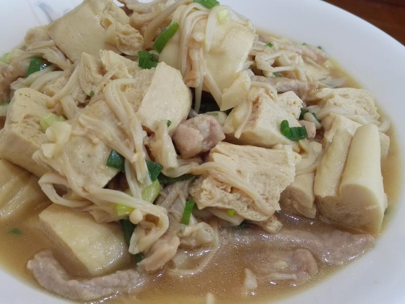 凍豆腐燴金針菇