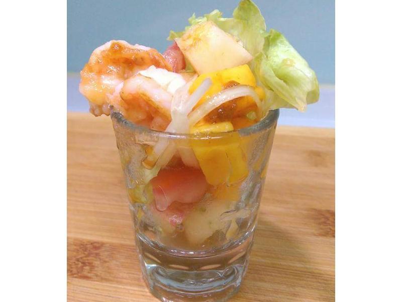 香芒鮮蝦水果百匯-佐芒果酸甜油醋醬
