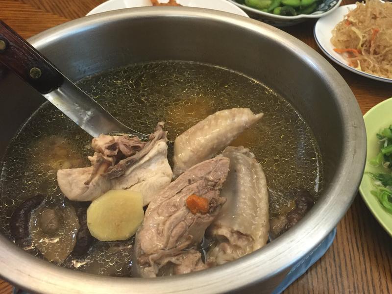 《電鍋料理》香菇雞湯