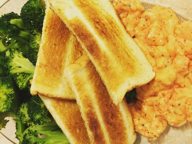青花椰菜舞龍蝦沙拉吐司