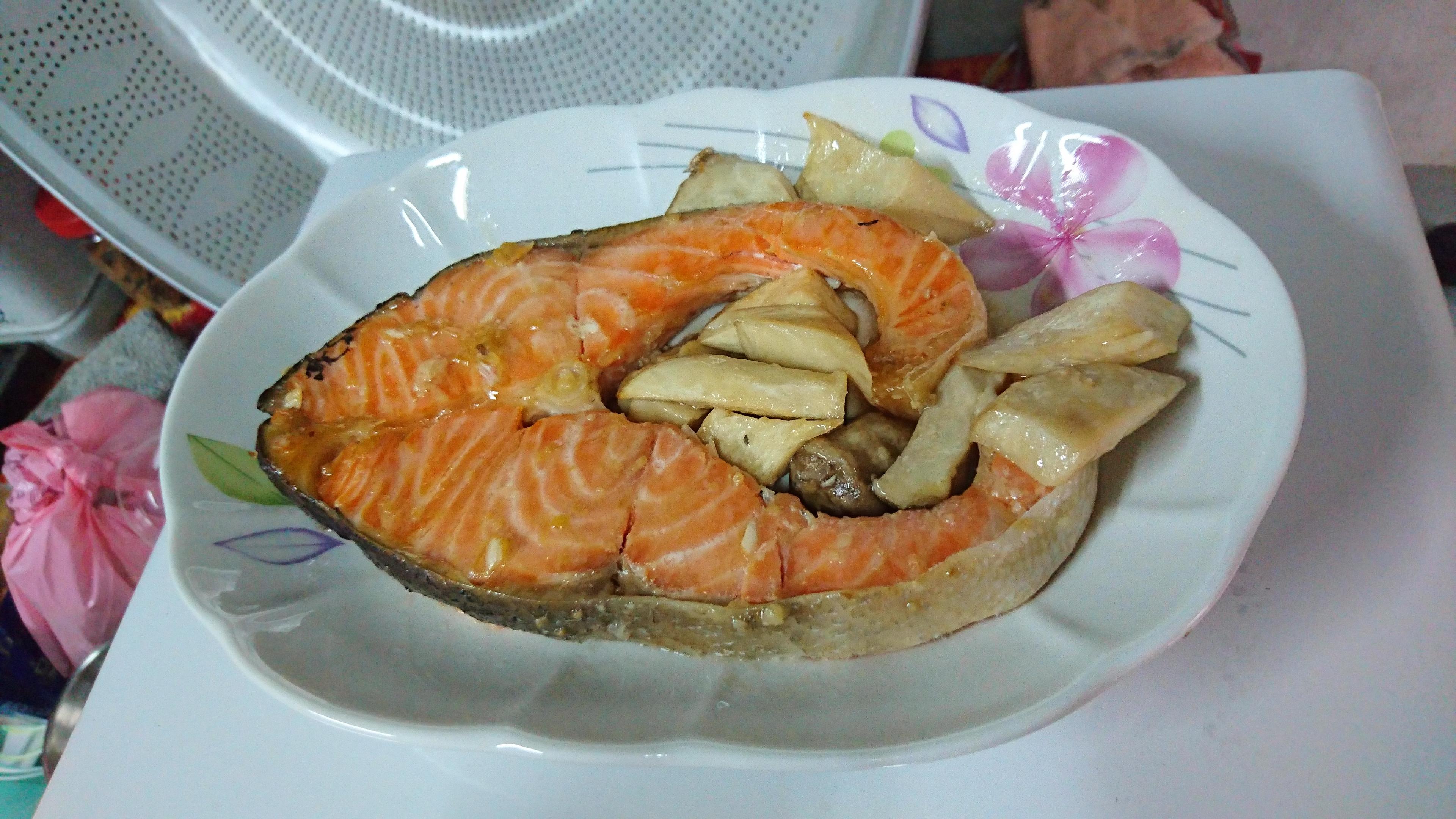 味噌烤鮭魚佐杏鮑菇