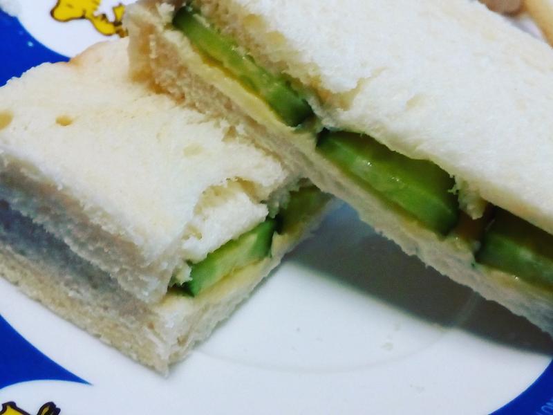 奶油黃瓜三明治