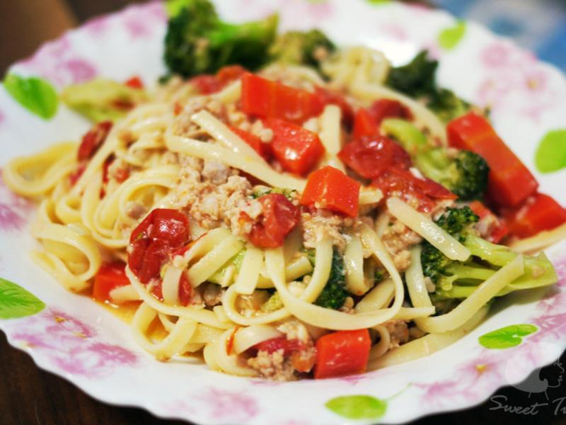 蕃茄乳酪義大利燉麵-夏日餐點好選擇