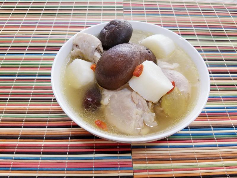 山藥香菇雞湯