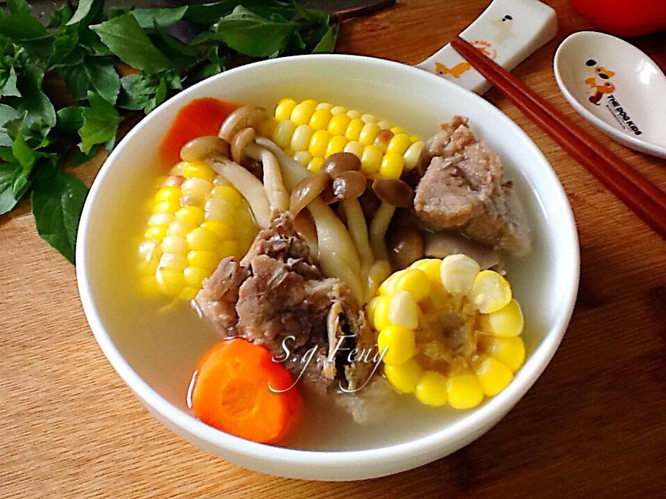 菇菇玉米排骨湯