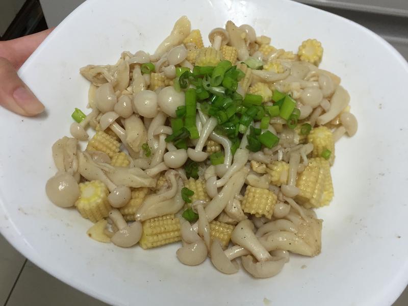 涼拌菇菇玉米筍