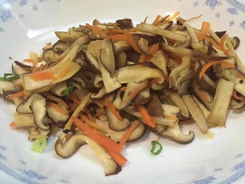 香菇炒紅蘿蔔