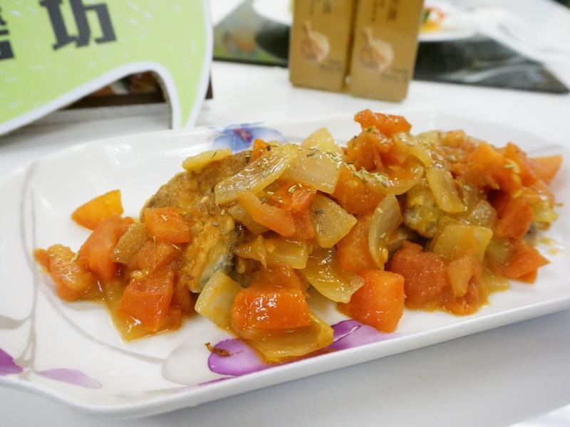 【小磨坊】地中海蒜味煎魚肚