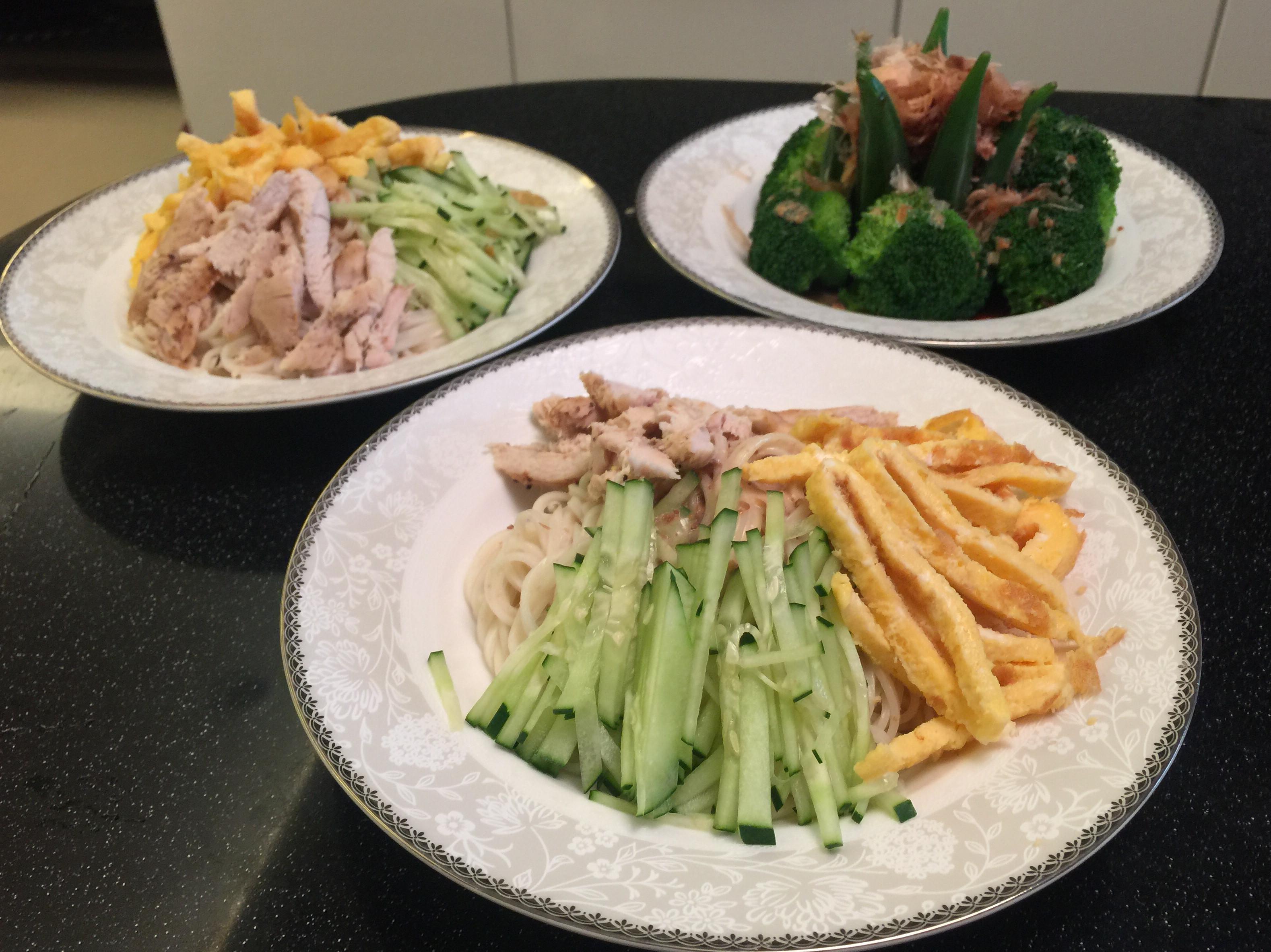 夏日清爽主食:日式胡麻檸檬雞涼麵