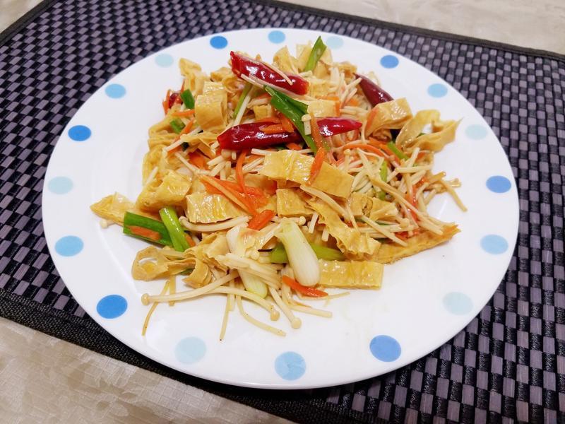 腐竹炒金針菇