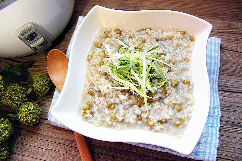 綠豆糙米薏仁粥【大同星球電鍋】