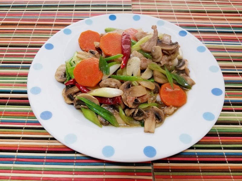 蔥香蘑菇炒肉片