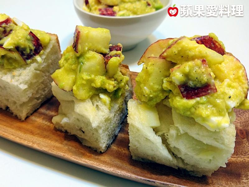 蘋果酪梨蛋沙拉麵包塔