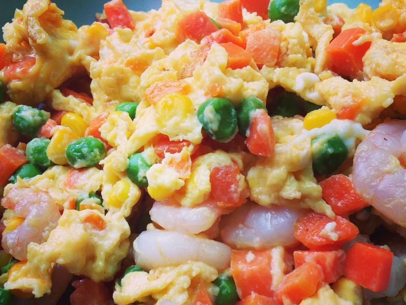 三色豆蝦仁炒蛋