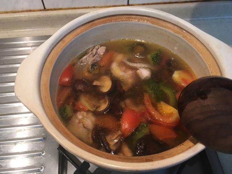 香菇苦瓜雞湯