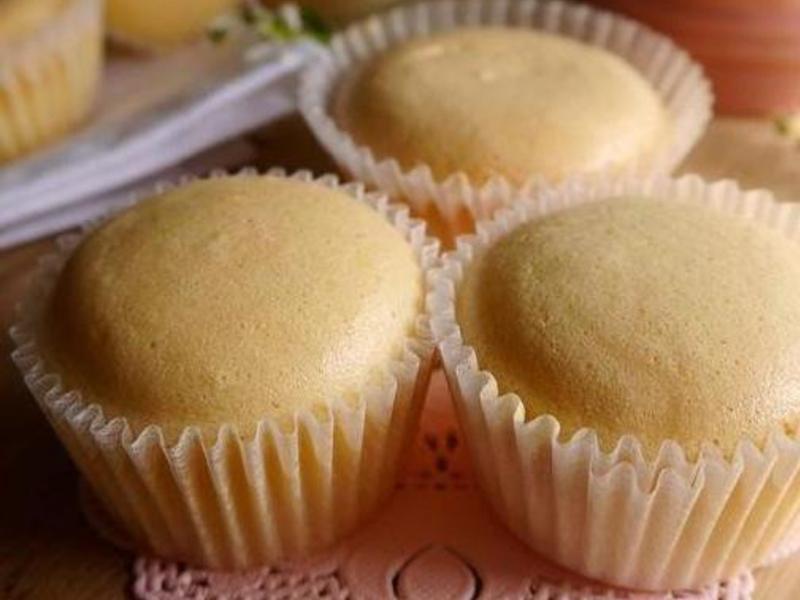 耆盛鬆餅粉簡單到噴淚 杯子蛋糕