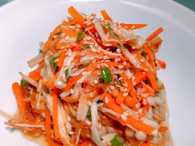 夏日涼拌小菜! 涼拌胡蘿蔔金針菇