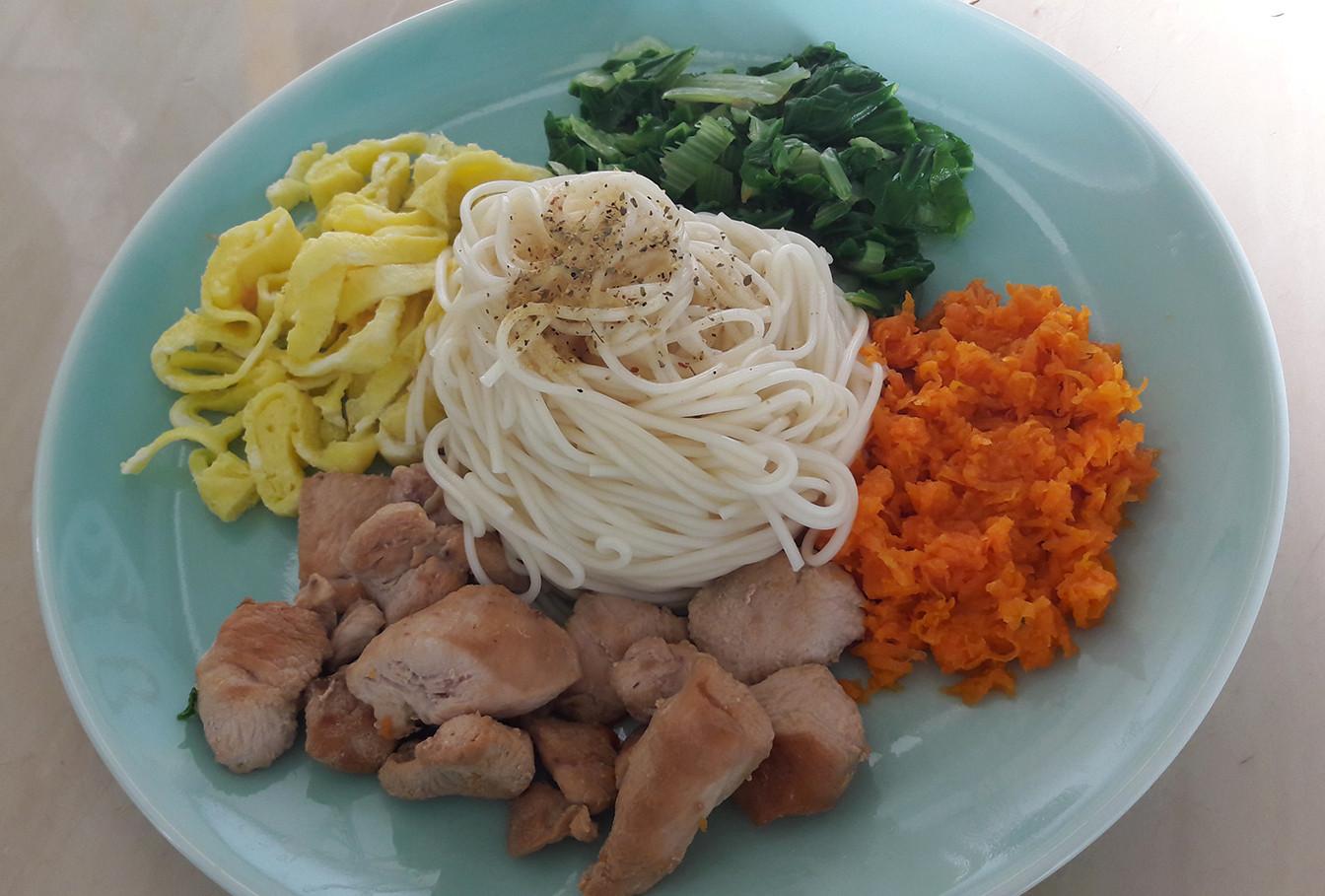 雞胸肉涼麵-五木拉麵