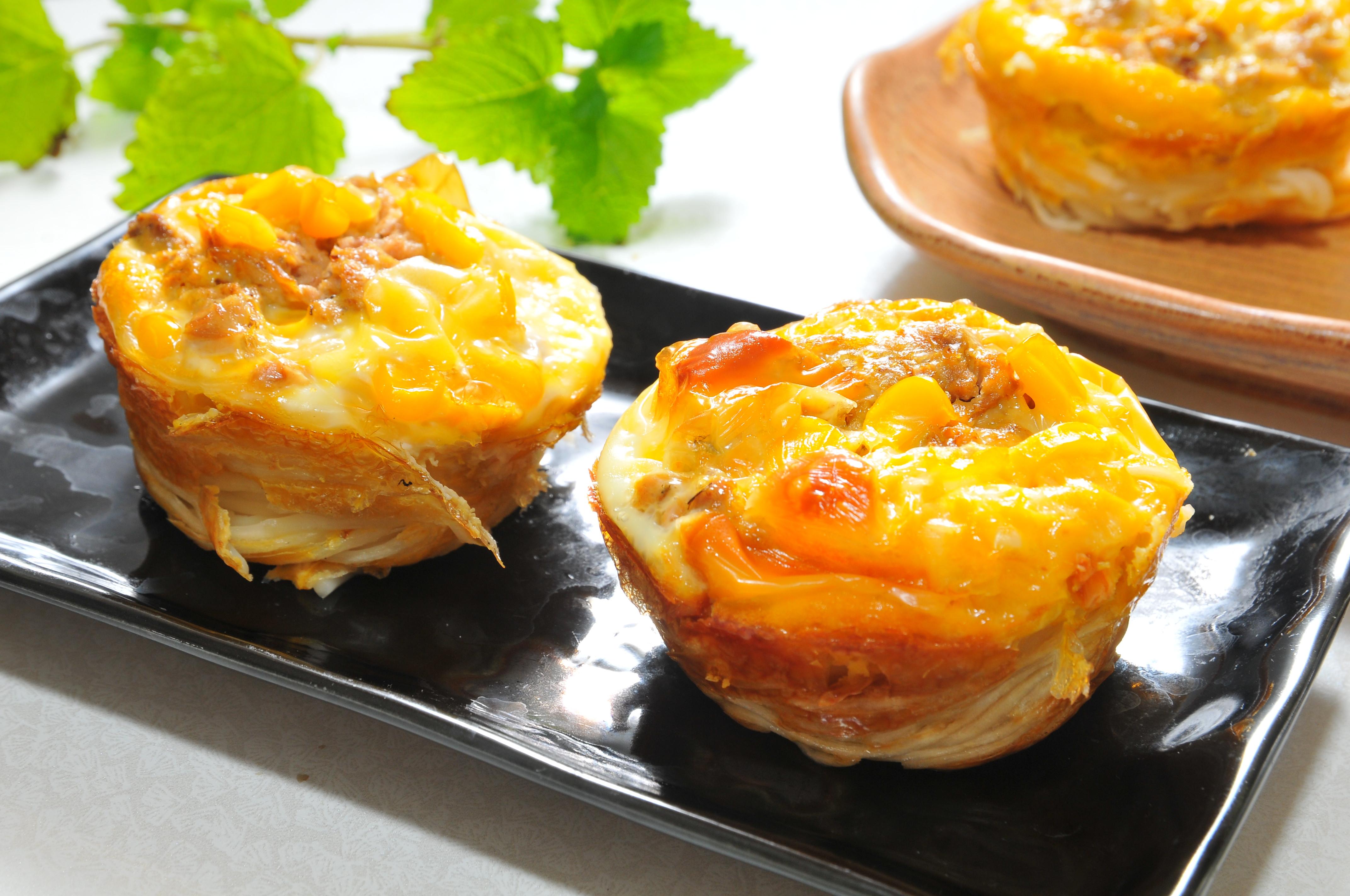 簡易鮪魚玉米起司鹹派-五木拉麵