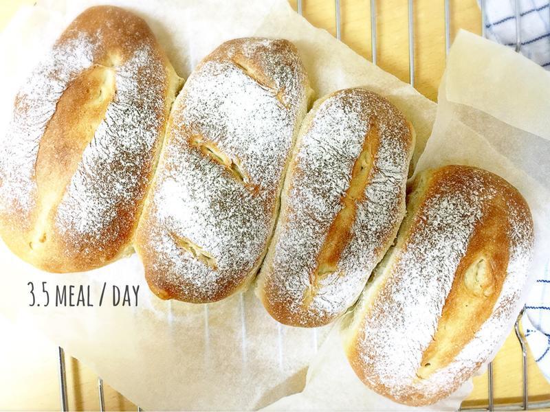 純樸蔗糖牛乳法國麵包。超鬆軟