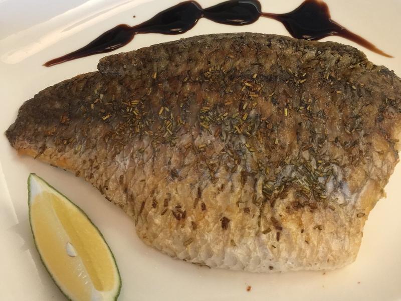 乾煎迷迭香鱸魚