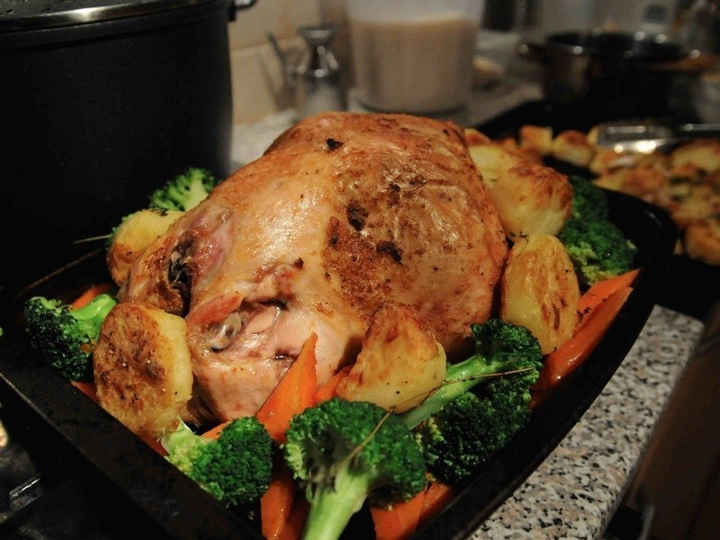 入口即化-花個兩天來烤雞