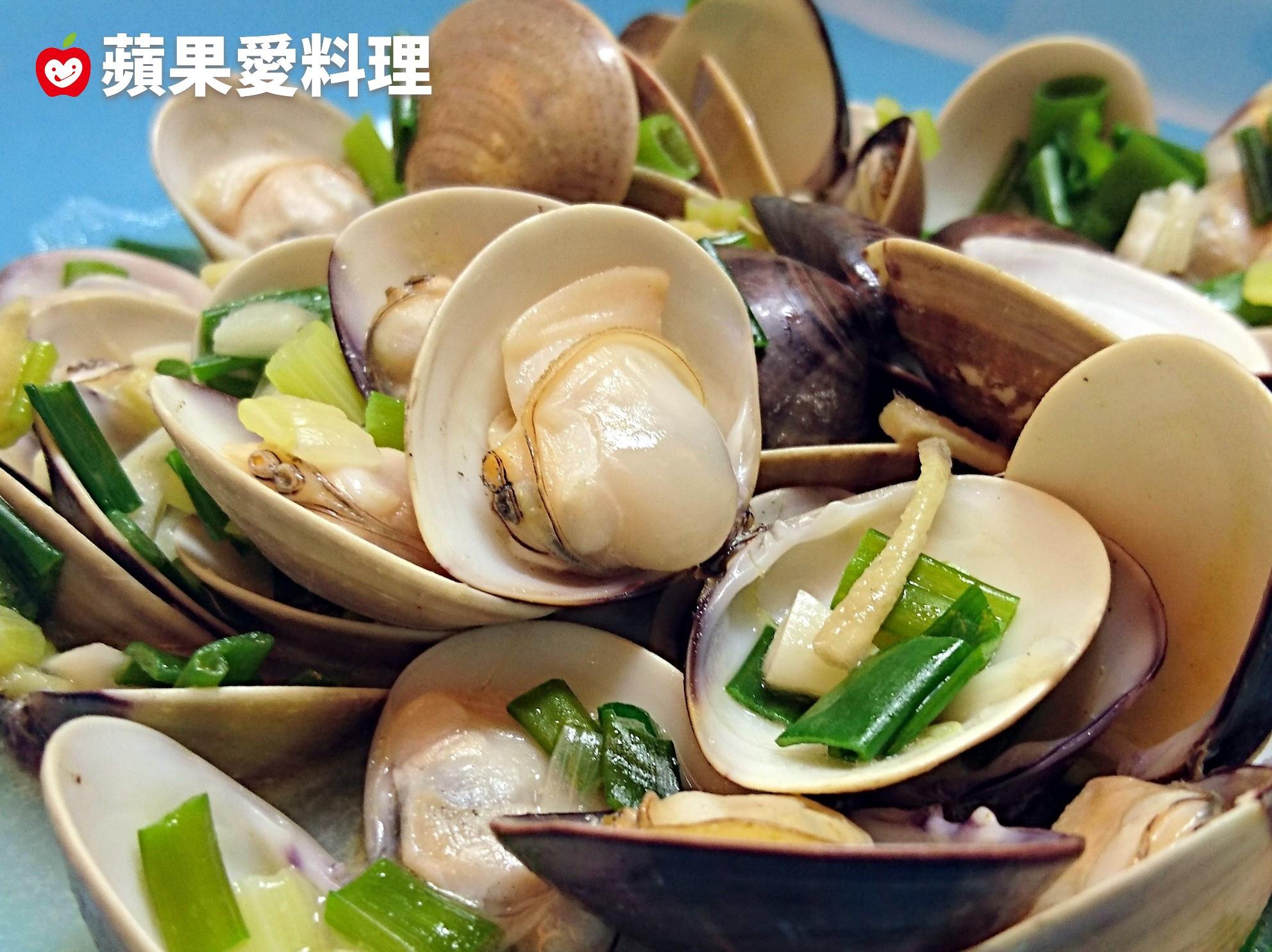 日式酒蒸蛤蜊(3分鐘。居酒屋必點)