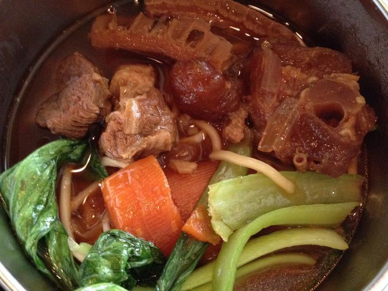 紅燒牛腩(牛肉麵)