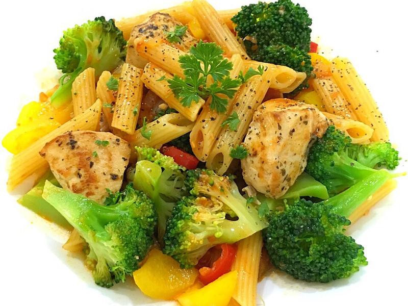 減肥餐「辣味雞肉義大利麵」一鍋到底