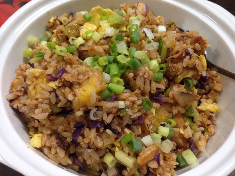 茄汁鲭魚蛋炒地瓜飯