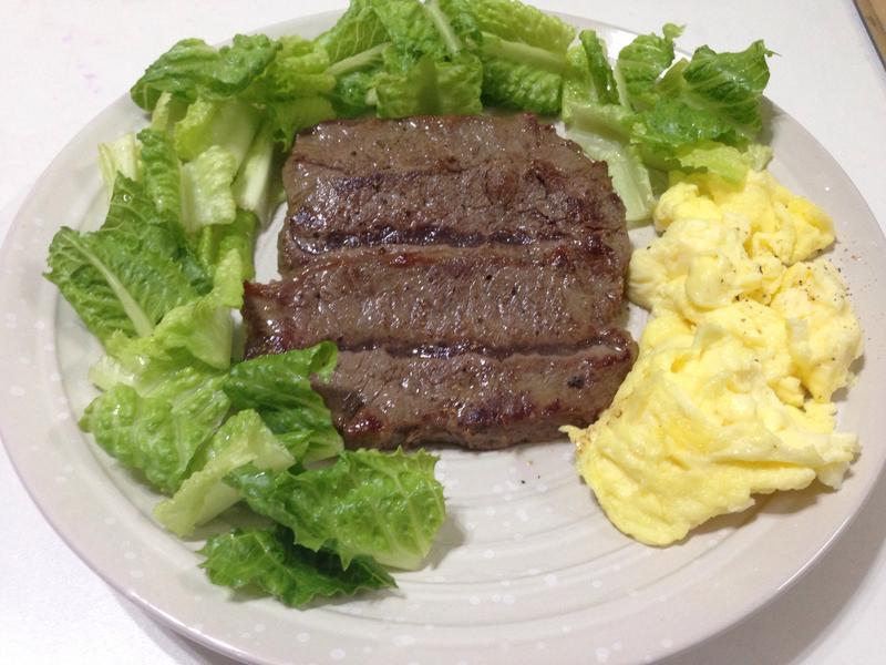 煎牛里肌肉排佐美式炒蛋