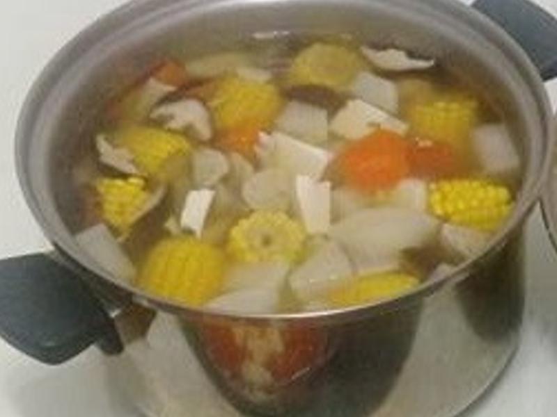 蘿蔔丸子玉米湯