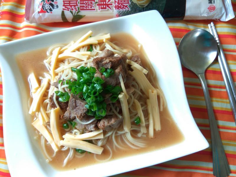 葱香起司牛肉麵─五木拉麵