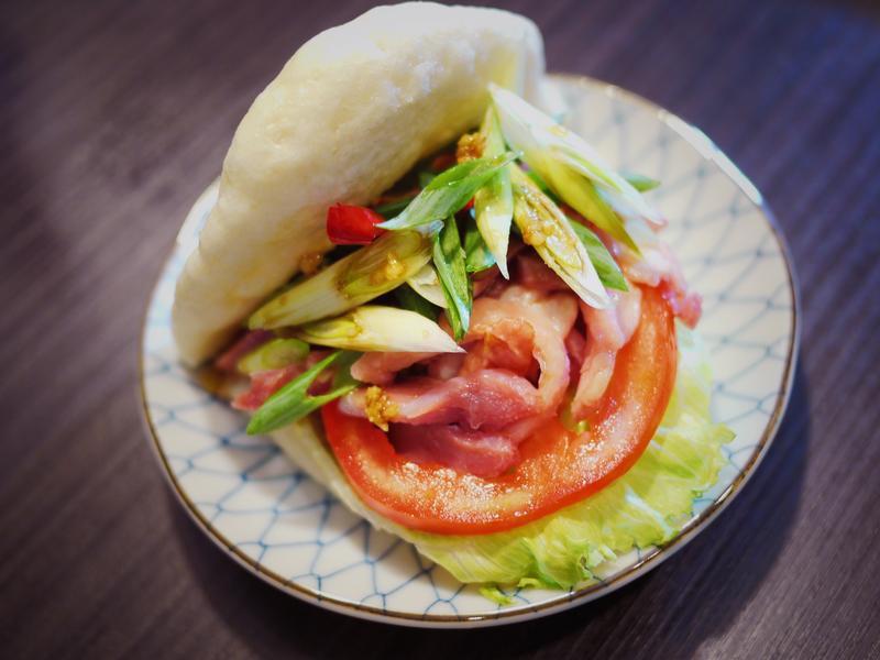 麵包機台式創意漢堡  蔥拌鴨賞刈包