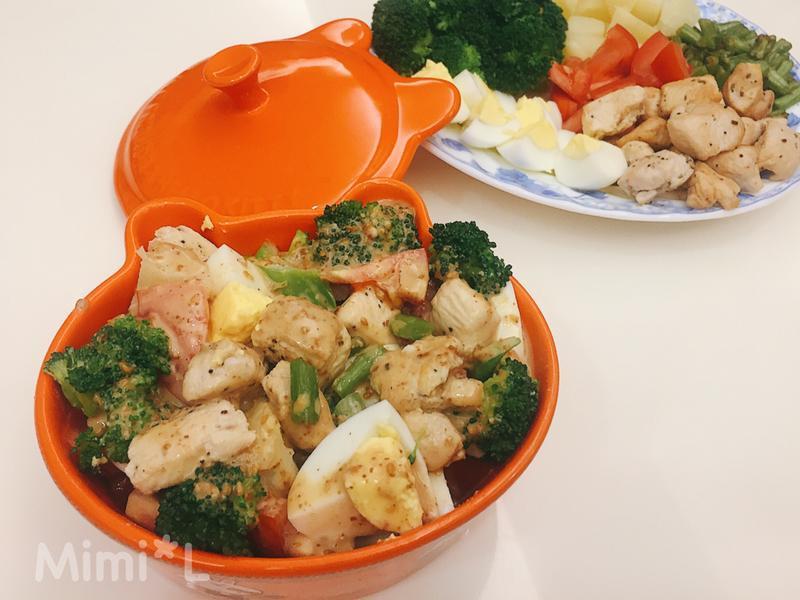 低熱量營養的*彩色胡麻蔬果沙拉