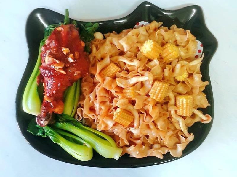 烤雞腿蔬菜麻辣乾拌麵-五木拉麵