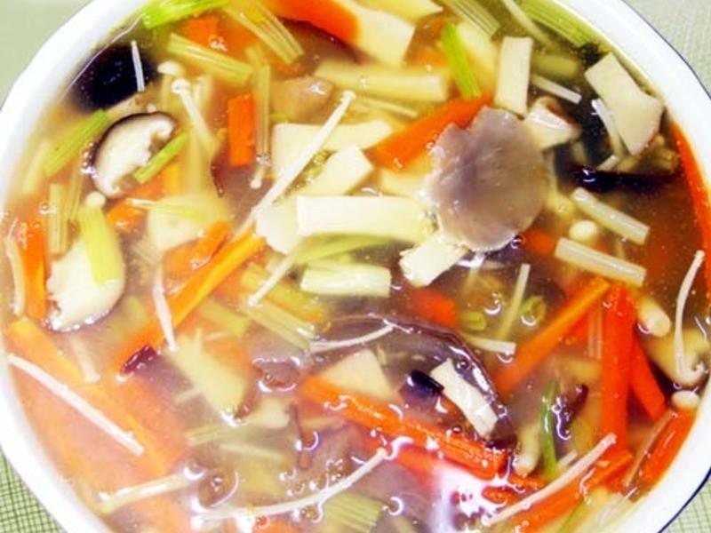 【厚生廚房】香芹鮮菇羹