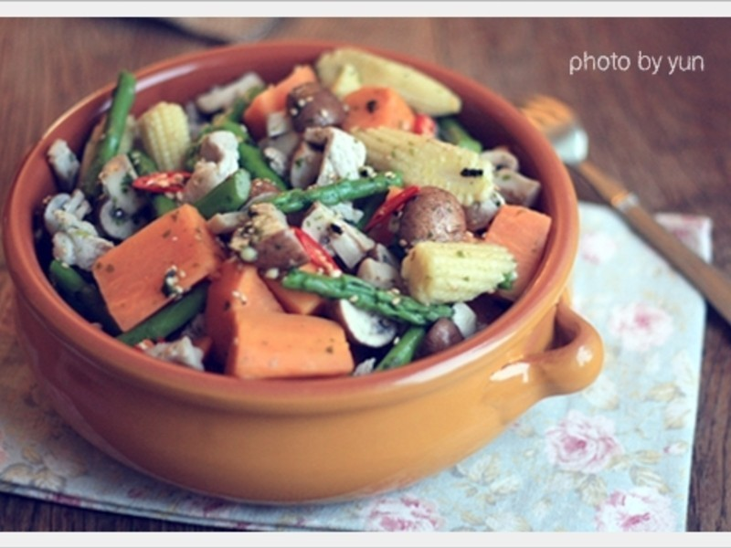 蔬食肉絲地瓜沙拉