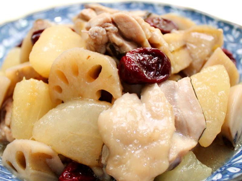 【厚生廚房】梨香蓮藕燉雞
