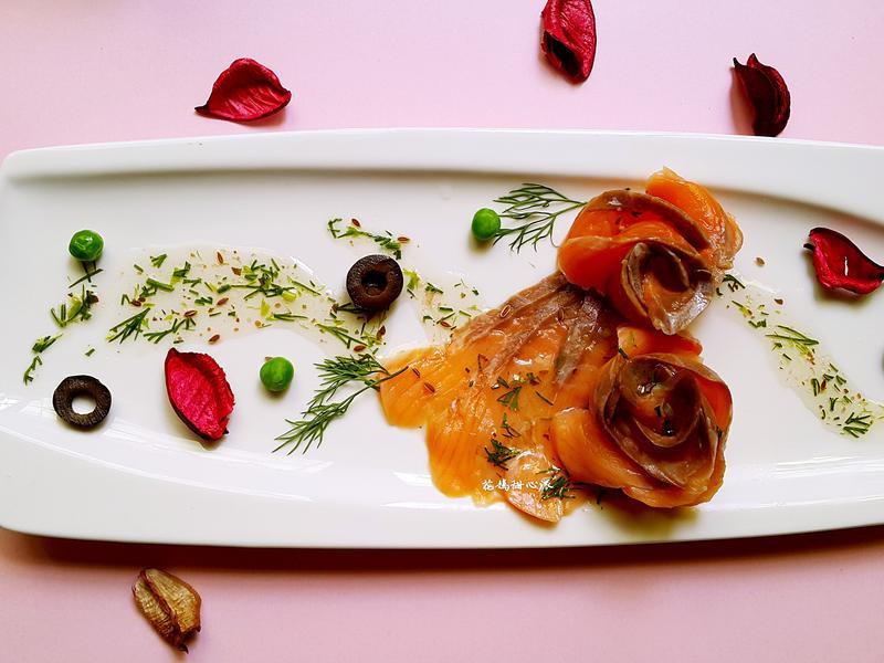 煙燻鮭魚佐蒔蘿油醋醬