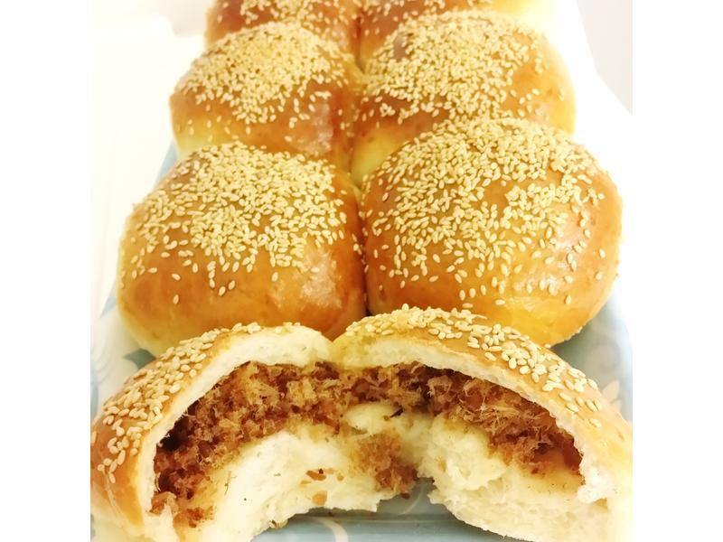 芝麻魚鬆麵包