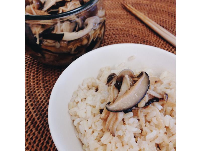 飯麵好搭檔・日式蕈菇醬油煮