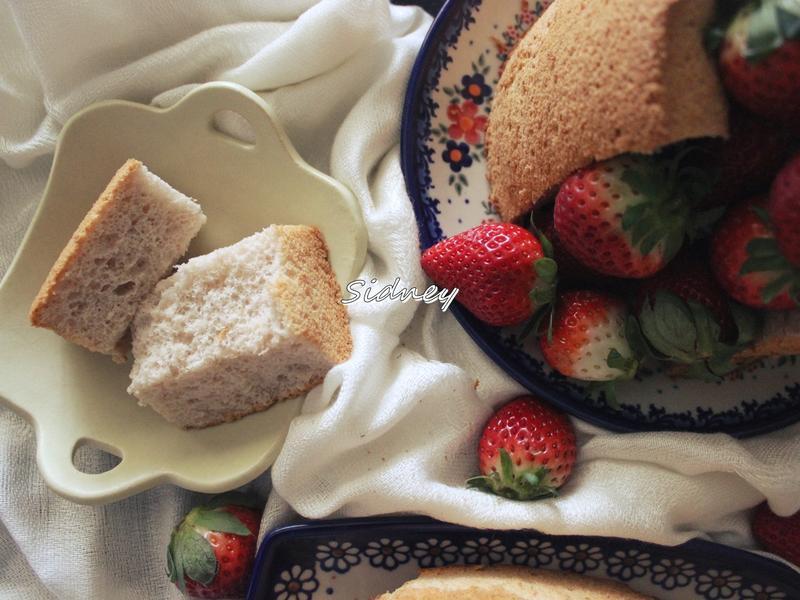 粉紅色的雲朵~草莓煉乳戚風蛋糕